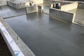 NEWモデルハウス:防湿コン打設