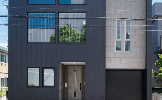 限られた敷地を最大限有効活用したビルトインガレージ付き総2階建て住宅